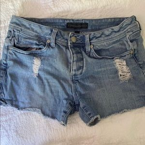 Juciy couture jean shorts size 26
